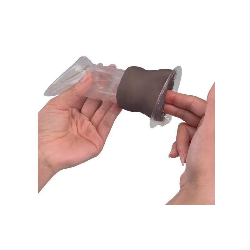 Model k nasazování ženského kondomu