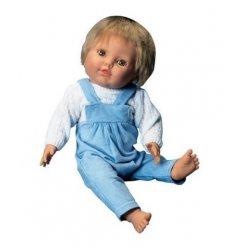Model dítěte v chlapeckém oděvu